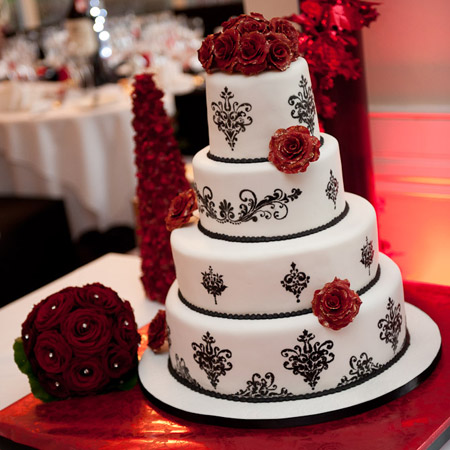 Black and White Wedding Cake with Design