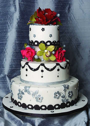 Black and White Wedding Cakes with Flowers