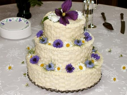 Wedding Cake Decorating Buttercream : Buttercream Wedding Cakes - Best of Cake