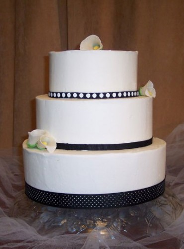 Simple Wedding Cakes to Make at Home