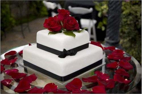 Small Wedding Cakes with Flowers