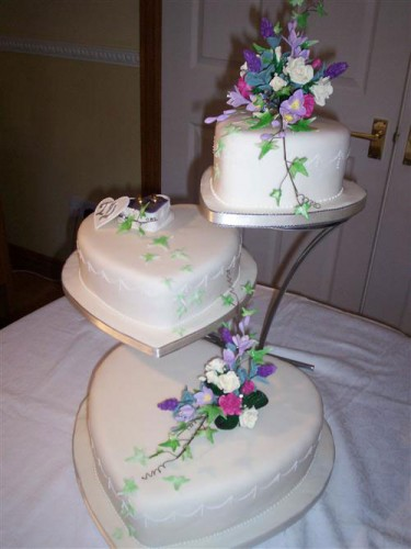 Heart Shaped Wedding Cakes Designs