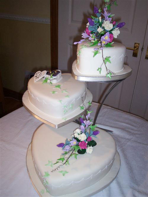 Cake Designs Hearts : Heart Shaped Wedding Cakes - Best of Cake
