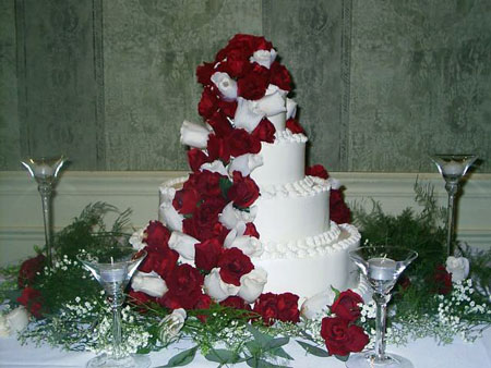 Red and White Wedding Cakes with Roses