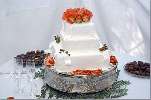 Simple DIY Wedding Cakes