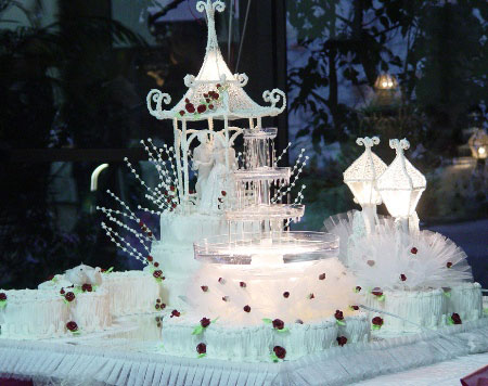 Unusual wedding cakes contain various types of wedding cakes that have unique theme