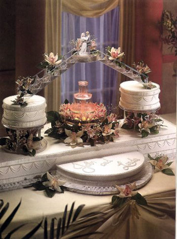 Big Wedding Cakes with Fountains