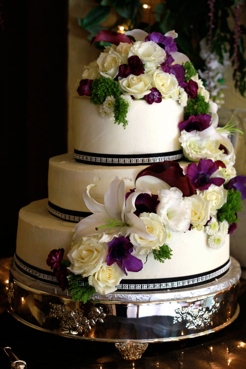 Cake Decoration Fresh Flowers : Decorating Wedding Cakes Ideas
