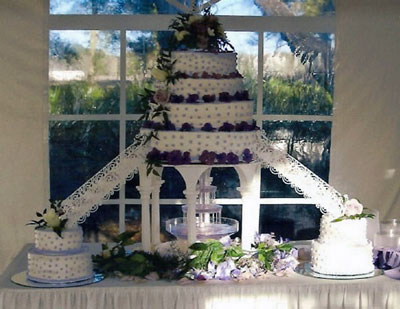 Large Wedding Cakes with Fountains