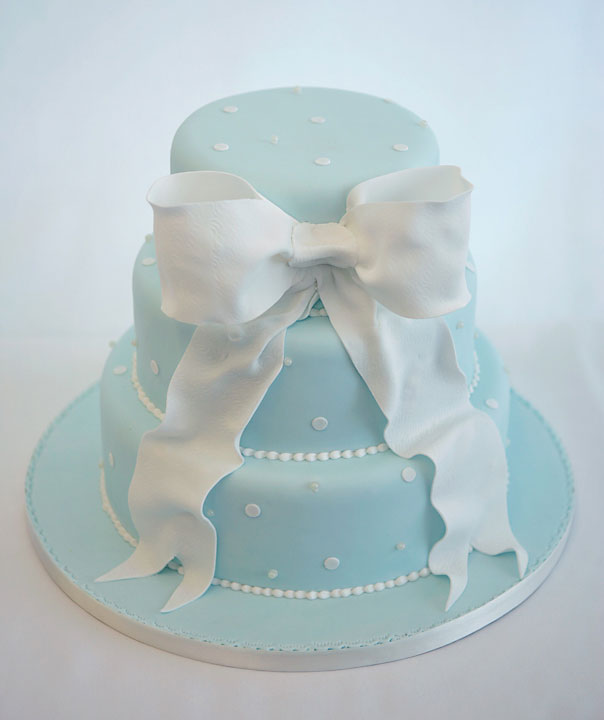 Wedding Cake with Bow Design